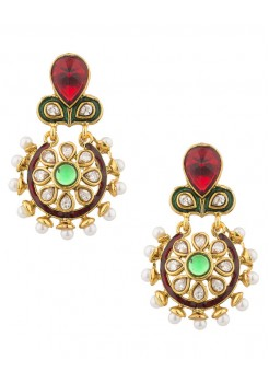 Gold dangler earrings with pearls border