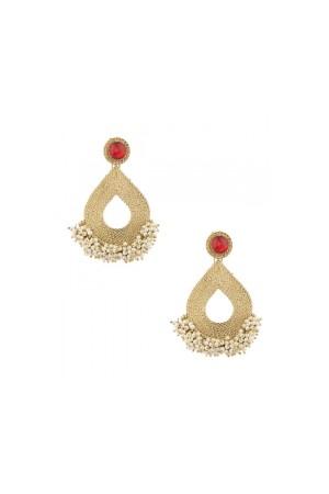 Gold dangler earrings with pearls clustrer