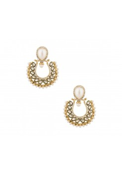 Gold dangler earrings with stones and pearls